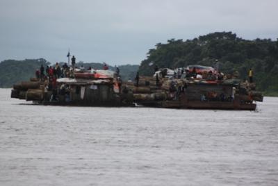 Fähre auf dem Weg von Kinshasa nach Kisangani