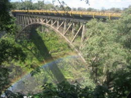 Brücke an den Victoria Falls