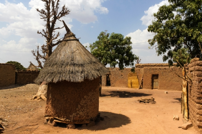 Burkina Faso - Reisen - Hütte